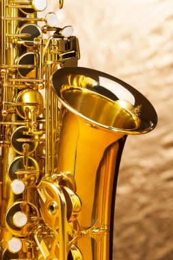Alto saxophone with keys