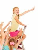 Fotografie Vůdce koncept dívka lezení na žebřík
