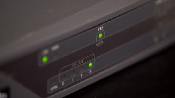Blinkende Netzwerkports auf einem Router