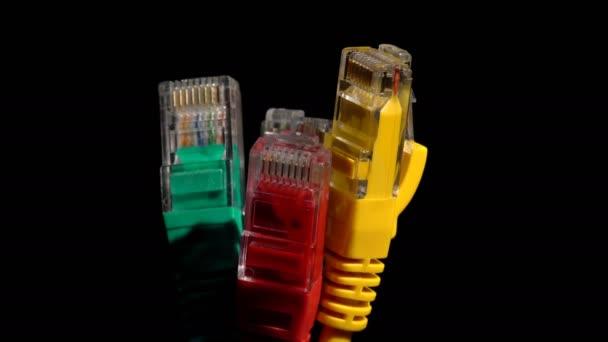 Barevné počítačové kabely hnutí