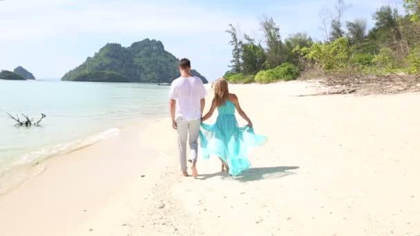 Trópusi szigeten pár