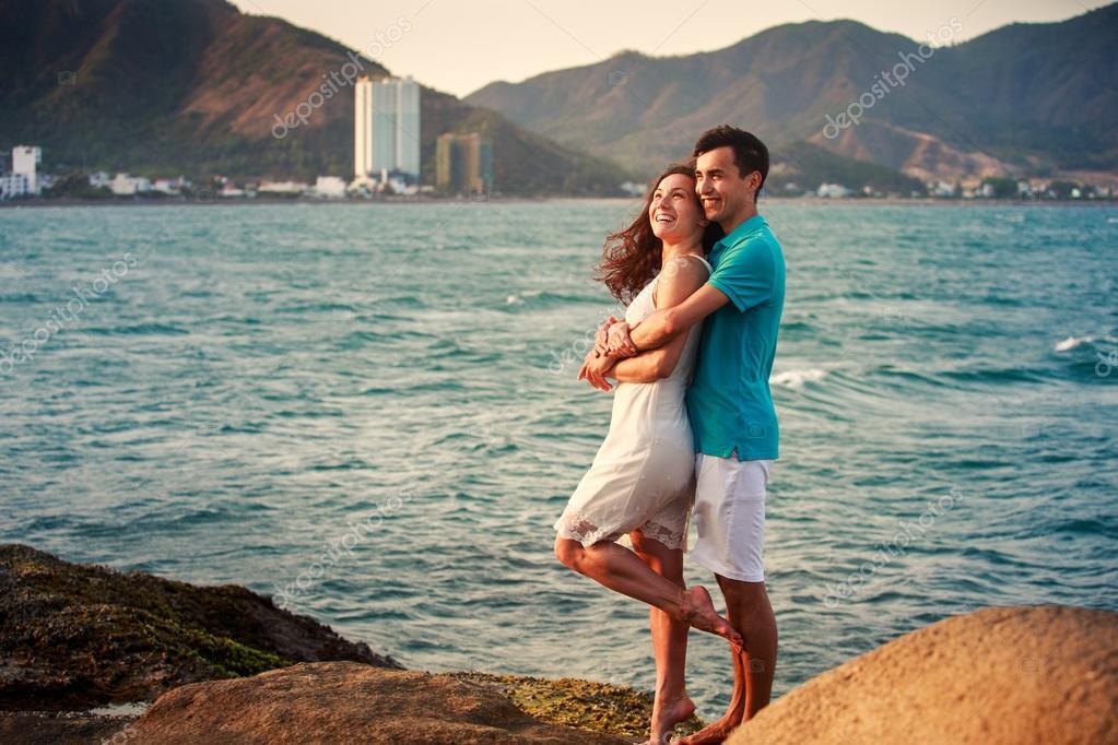 картинки на море парень и девушка