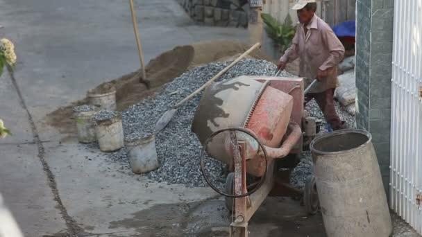 Vietnamesische Builder auf Baustelle