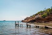 Nudistická pláž. Ibiza. Baleárské ostrovy, Španělsko