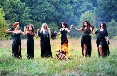Şabat günü dans Cadılar