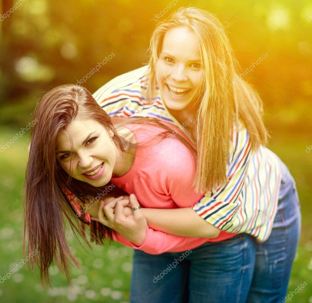 Dating φίλη κόρη