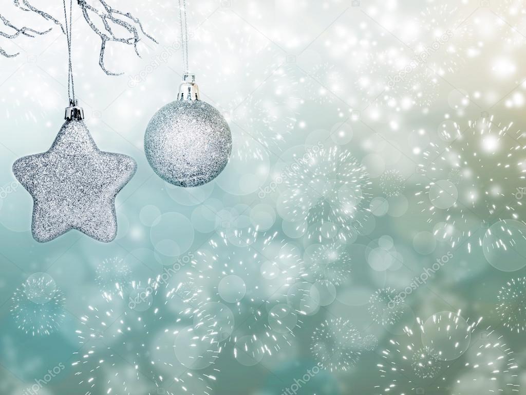 Urlaub-Hintergrund mit funkelnden Lichtern und Weihnachten decoratio ...