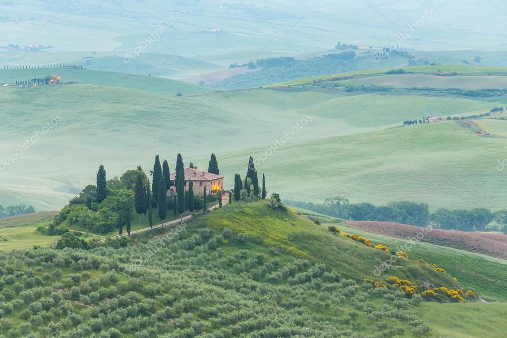 Фотообои Landscape of Tuscany, hills and meadows, Toscana - Italy