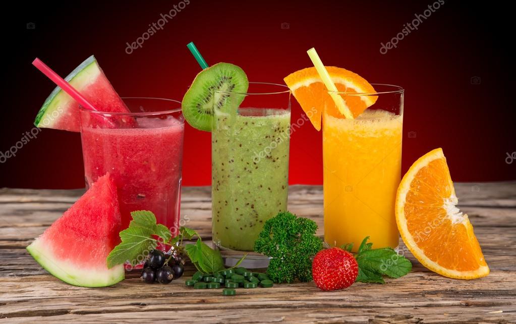 Frischer Fruchtsaft, gesunde Getränke — Stockfoto © Kesu01 #61877491