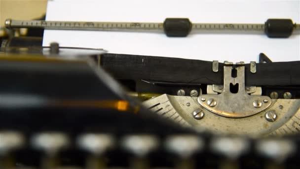 psací stroj typ prázdný znak