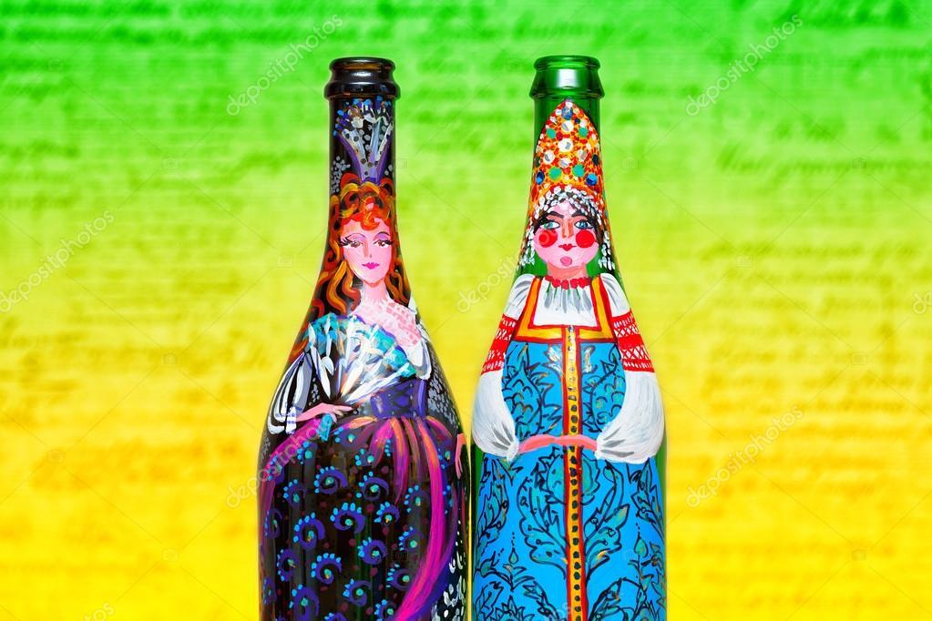 Mujeres En Vestidos Pintados En Las Botellas Botella