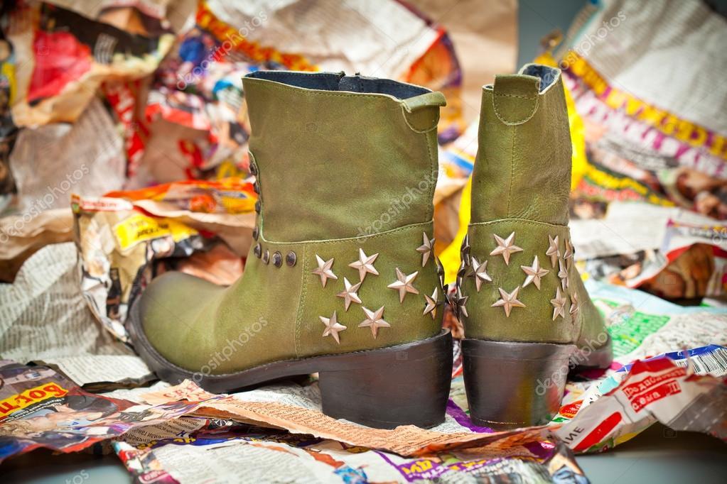 1bed40f2702 Jesień - wiosna kobiet buty w stylu kowbojskim. zielone kozaczki ...