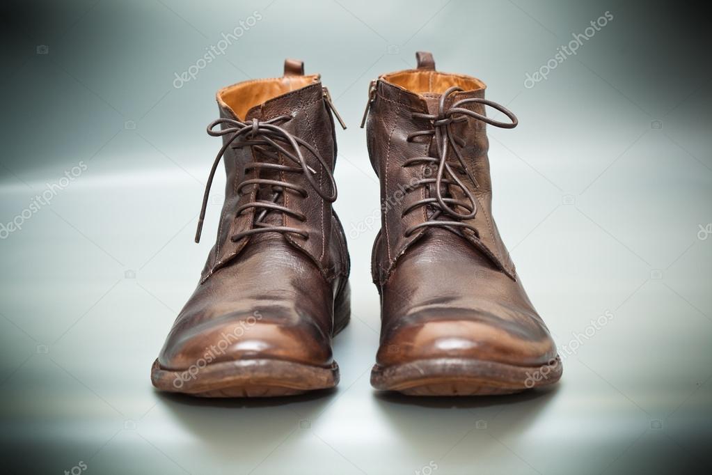 Розкішні шкіряні чоловічі туфлі. Висока осінь а весна взуття– стокове  зображення 9db9560078d41