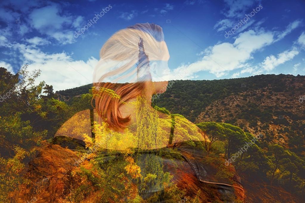 Saç Arkası Kız Dağlar Ağaçlar Ve Bulutlu Gökyüzü Güzel Bir Manzara