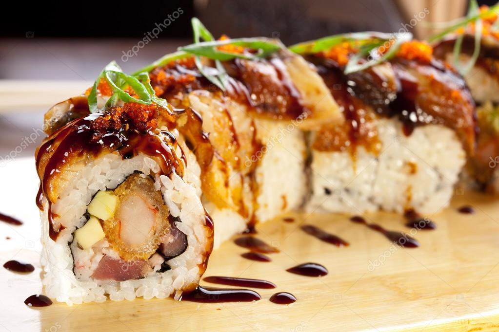 Involtini di sushi Anguilla\u2013 immagine stock