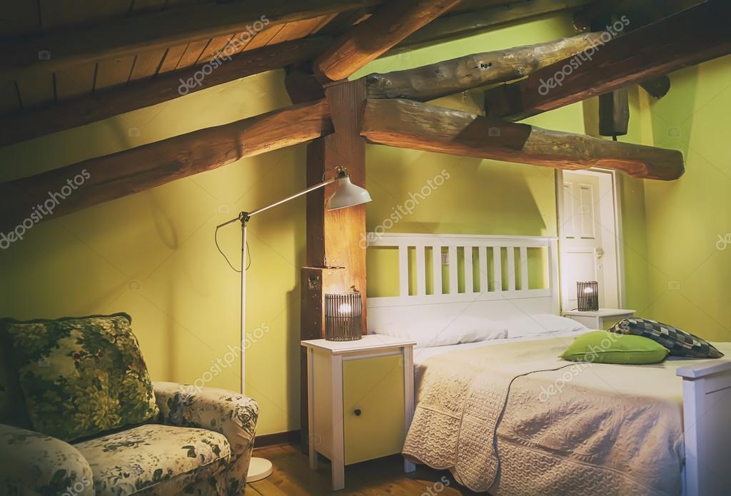 Interieur van woonkamer in platteland villa u stockfoto araraadt