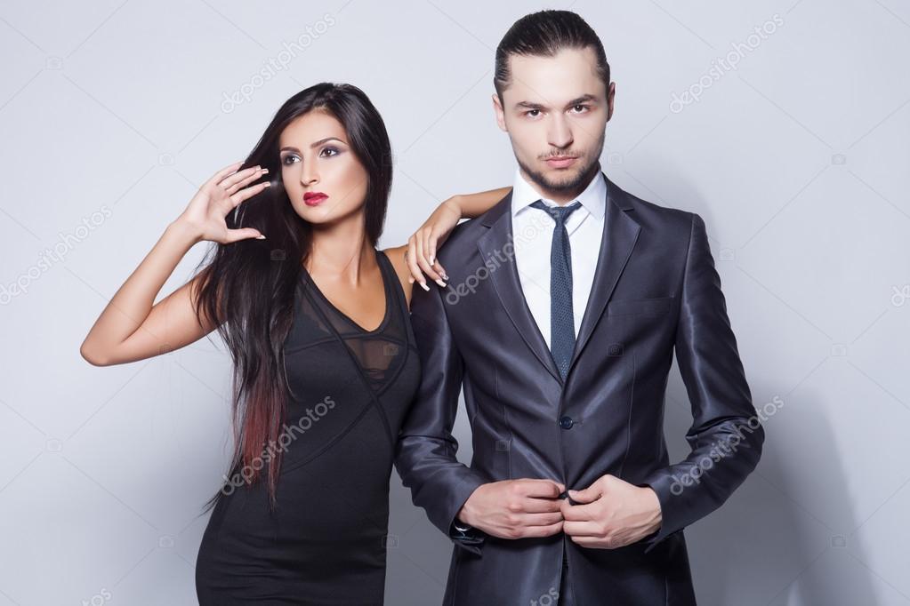 Très Fashion style photo of beautiful couple, studio shoot — Stock  WV76