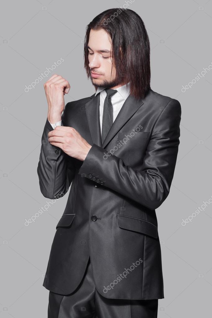 Élégant Homme Costume Aux Longs Cheveux En Noir rdCoeQxBW