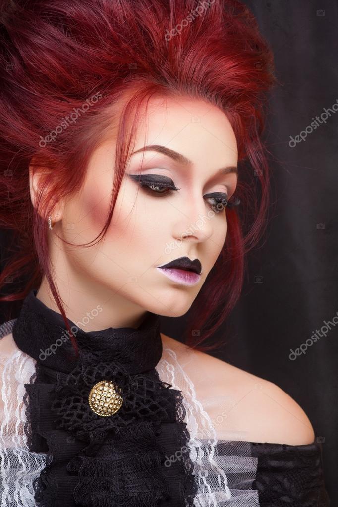 femme sexy avec maquillage gothique et les cheveux roux photographie margo black 67447103. Black Bedroom Furniture Sets. Home Design Ideas