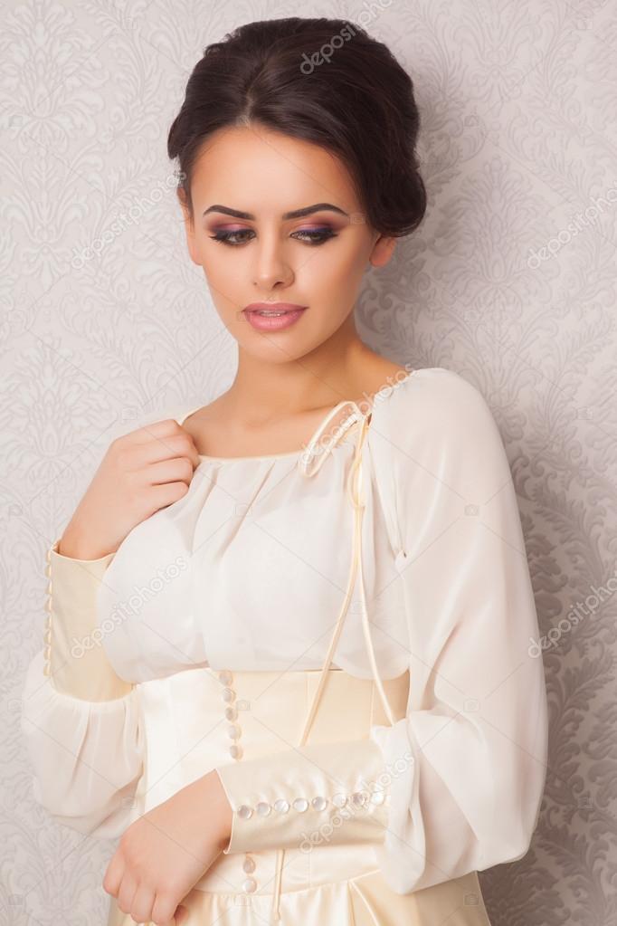 caffetteria donna moda attraente nella abito Alla in giovane bianco z7wqqv
