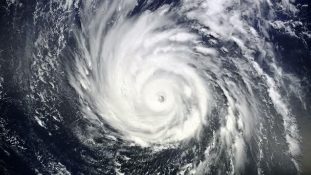 Animation of Giant hurricane