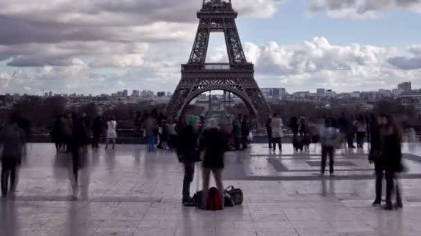 pohled z Eiffelovy věže v Paříži