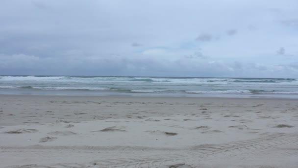 Ocean at Surfers Paradise