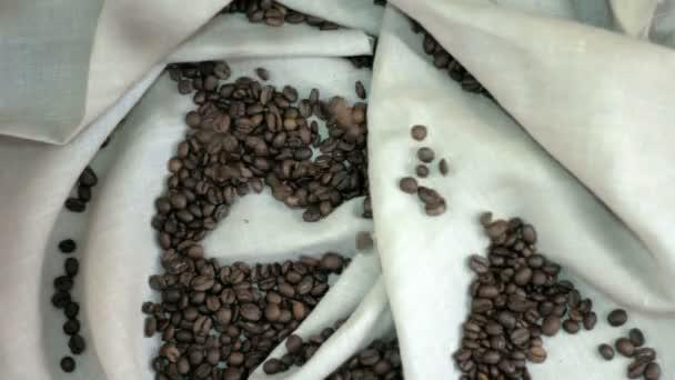 čerstvá pražená kávová zrna