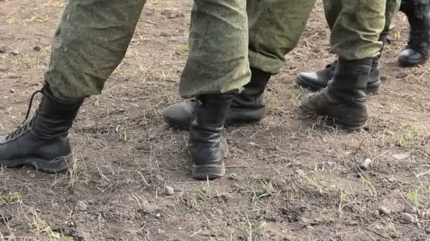 Soldaten-Stiefel-Füße