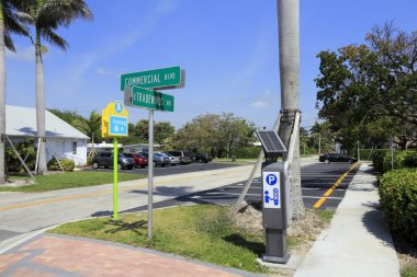 Public Parking Lot at Commercial and Tradewinds