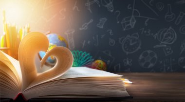 art back to School background; discovery education
