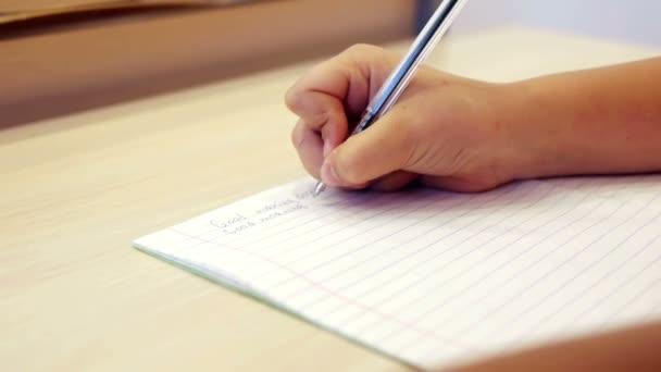 Iskolás kézzel írás feladat