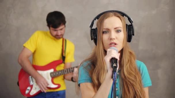 Hudební kapela nahrávání písně