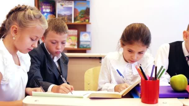 Žáků psaní úkol