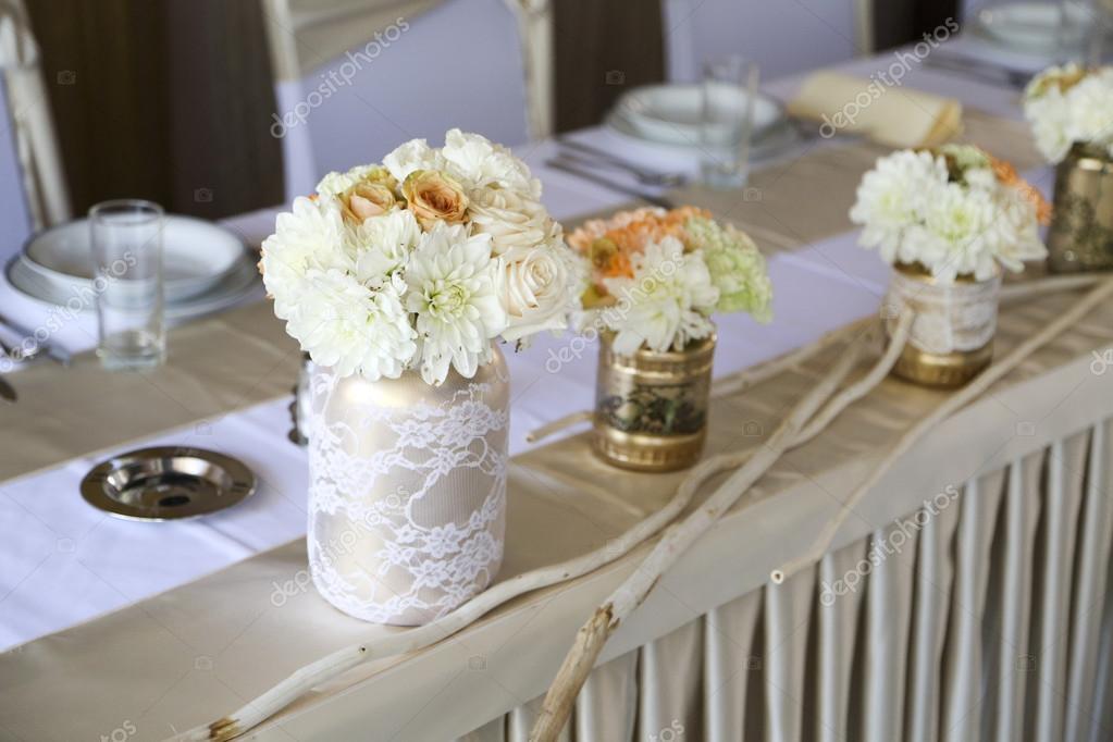 Bruiloft tafeldecoratie stockfoto boggy22 87010702 for Tafeldecoratie bruiloft