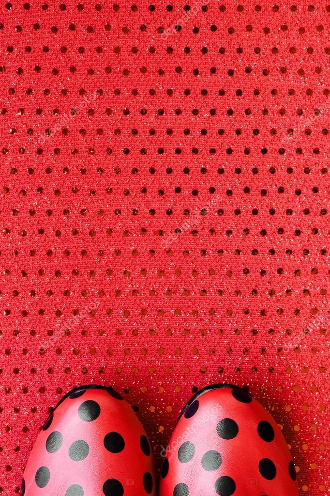 zapatos rojos estampados con puntos negros — Foto de stock © nito103 ...