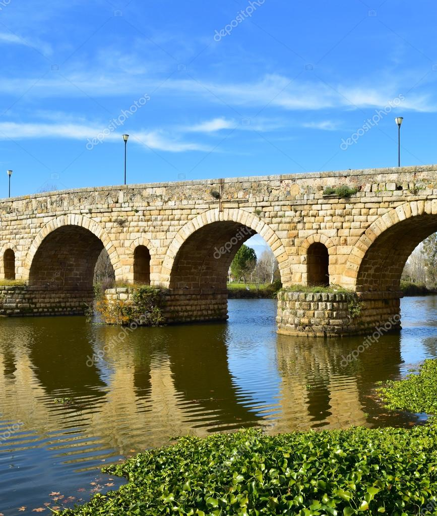 Puente Romano Bridge In Merida Spain Stock Photo C Nito103 118338446