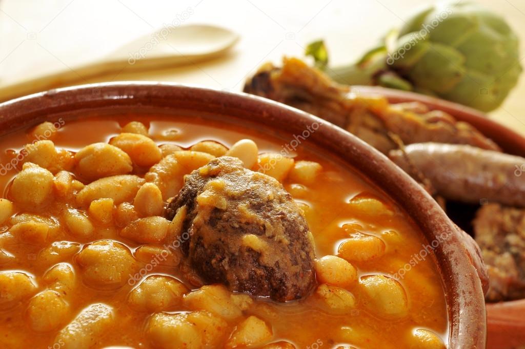 Potaje de judias y garbanzos een traditionele spaanse - Potaje de garbanzos y judias ...