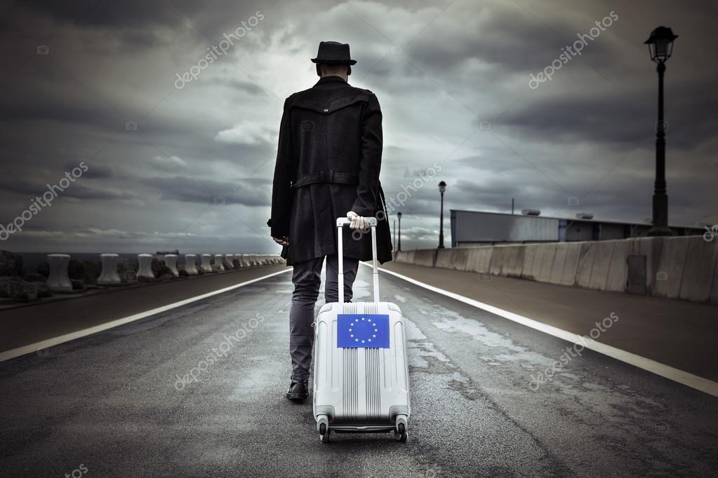 Resultado de imagen para imágenes de hombre con maleta