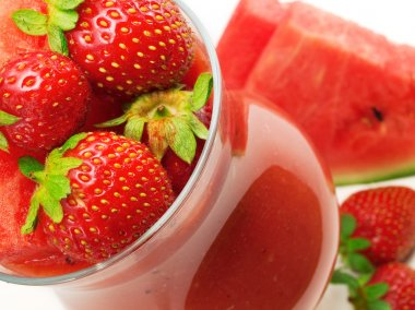 Strawberry and Watermelon Smoothie cocktail
