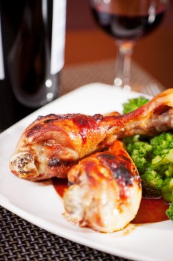 Chicken legs with broccoli