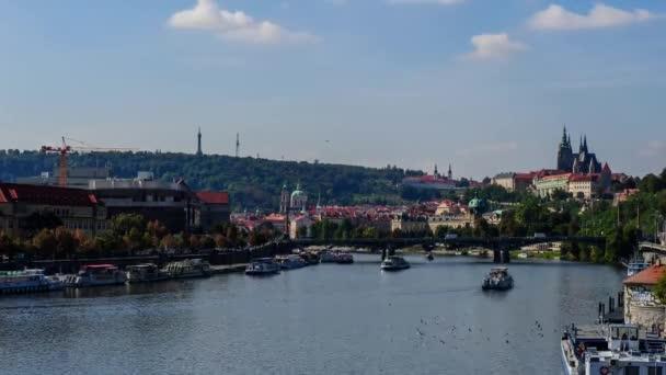 Karlův most a řeka Vitava, Praha