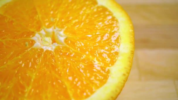 Dolly výstřel oranžová půlky, zblízka video