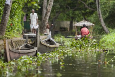 ALLEPPEY, KERALA, INDIA - AUGUST 16, 2016: Unidentified indian p
