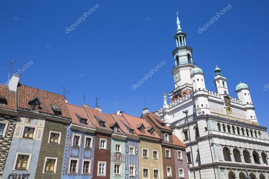Фотообои Houses and Town Hall in Old Market Square, Poznan, Poland