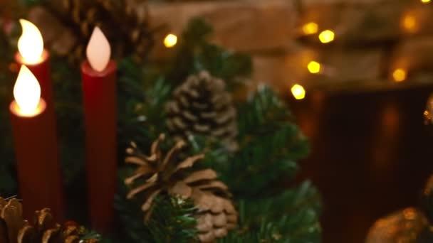 Vánoční strom pohlaváry a svíčky