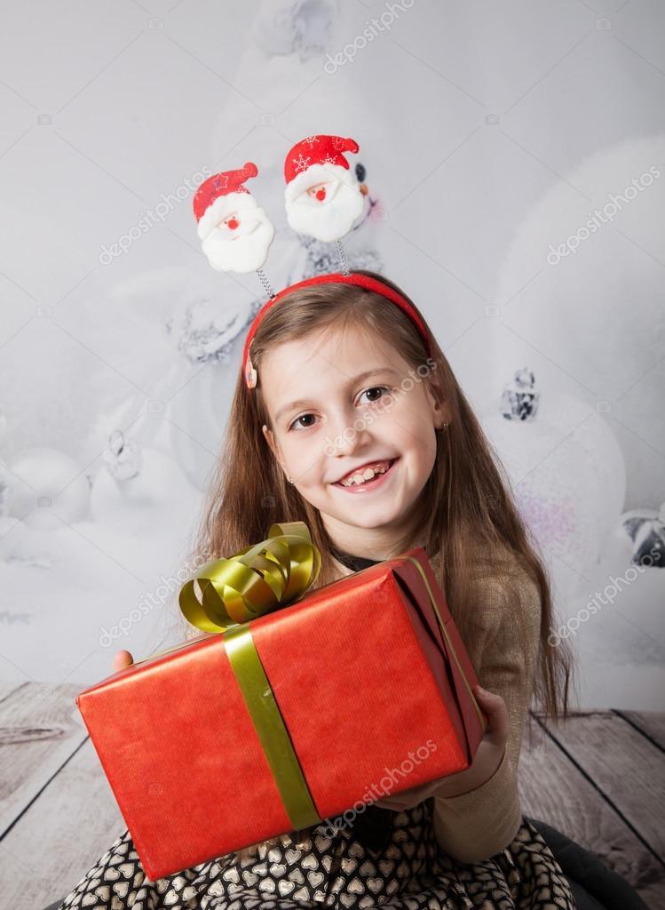 8 Jahre altes Mädchen, Weihnachten-Porträt — Stockfoto © igabriela ...