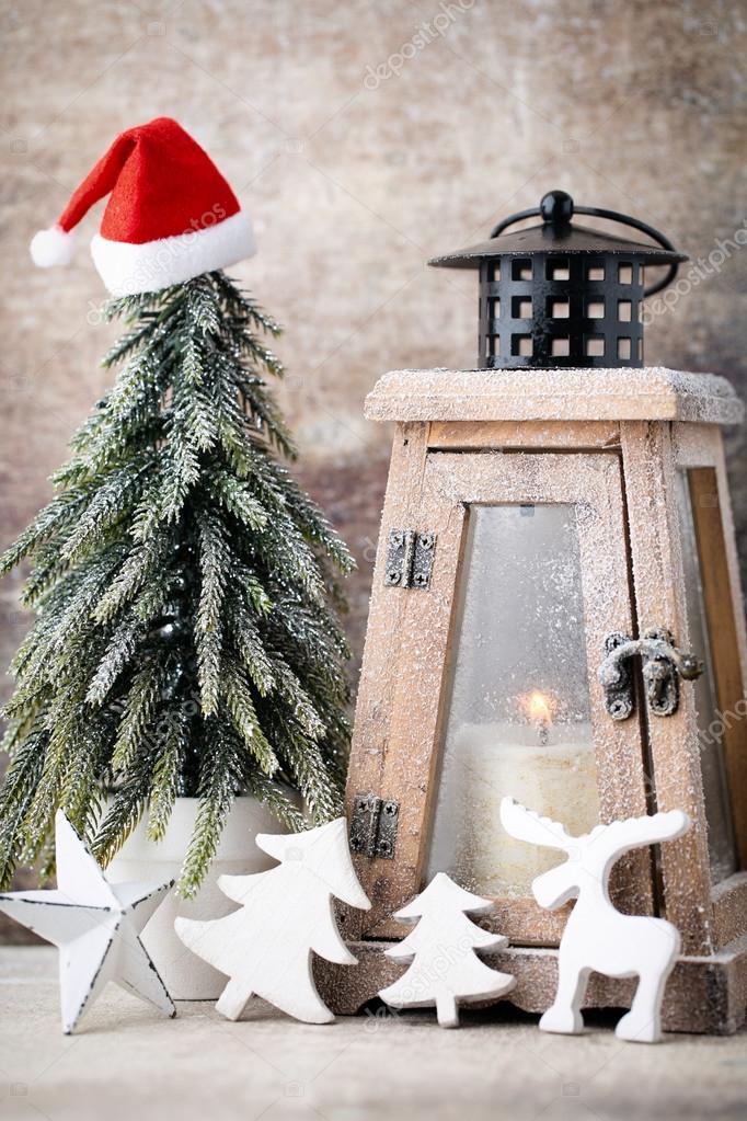Castiçal. Lanterna de Natal. Decoração cristmas, saudação ca — on