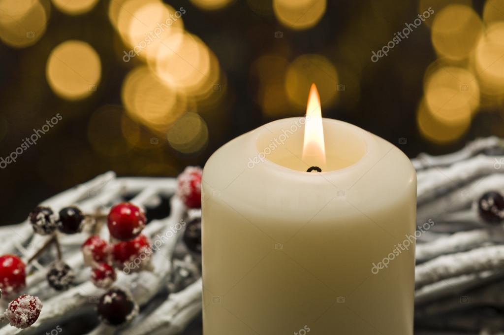 Decorare Candele Bianche : Candele bianche nella decorazione di autunno inverno u foto
