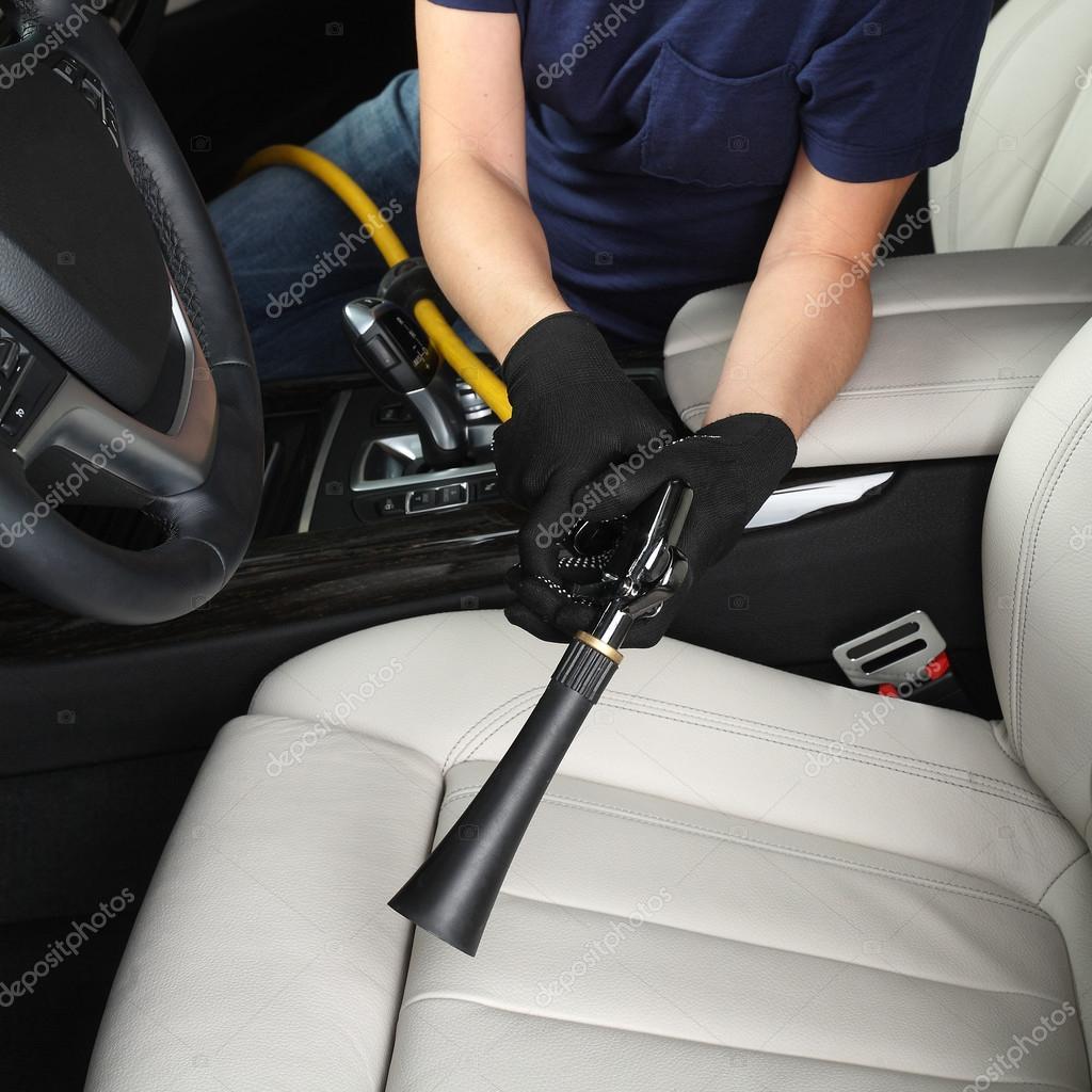 Auto-Service. Reinigung und Waschen der Innenraum des Wagens ...